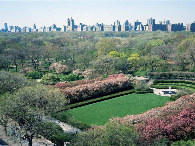 Stroll around Central Park's Conservatory Garden