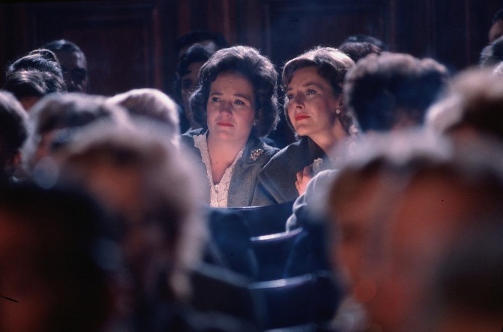 Distant Voices (1988)