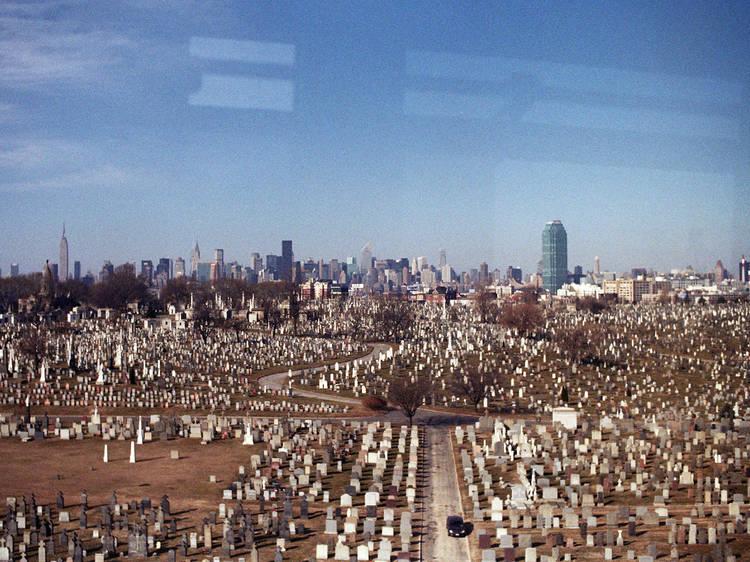 The Queens cemetery belt