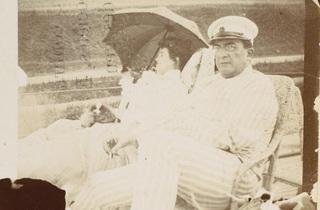 (Pierre Bonnard, 'Misia et Edwards assis sur le pont du yacht « Aimée »', 1906 / Paris, musée d'Orsay / © Musée d'Orsay, dist. RMN / Patrice Schmidt / © ADAGP, Paris 2012)