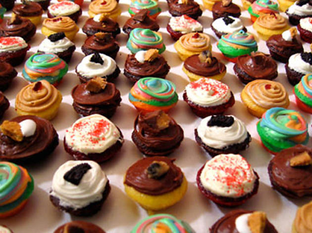 Wondrous 9 Best Bakeries For Cupcake Delivery In Nyc Birthday Cards Printable Riciscafe Filternl