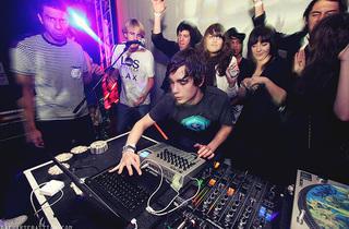 Sunset Club : Surkin (live) + Klaxons + Sunsej