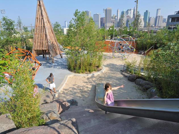 Explore Brooklyn Bridge Park
