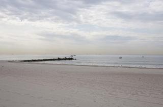 Rockaway Beach (Photograph: Virginia Rollison)