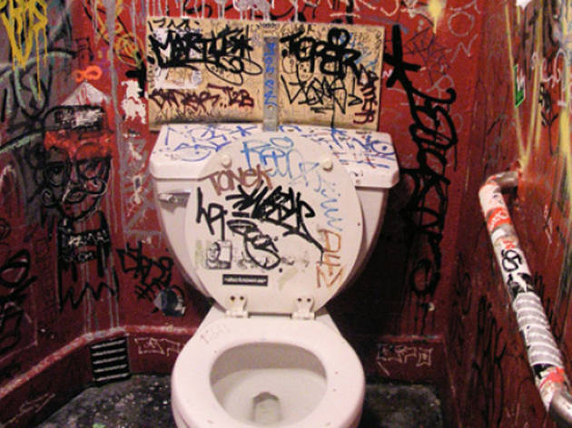 Photos of graffiti: Bathrooms in New York City (2012)
