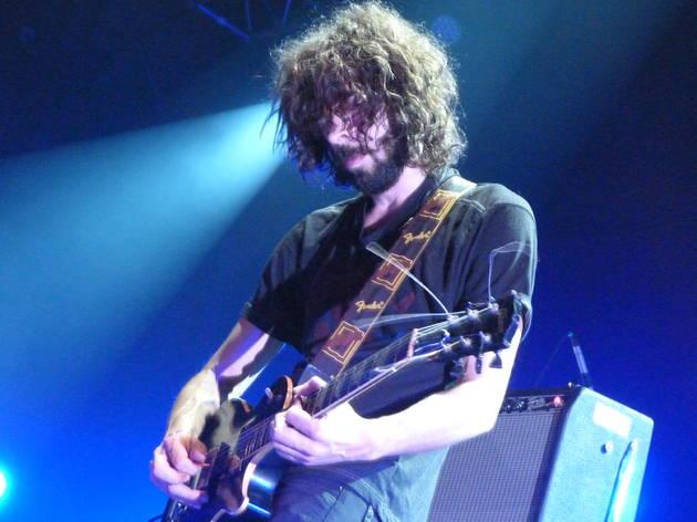 (Drew St. Ivany, guitariste trippé des Psychic Paramount dans la Grande Halle pour Villette Sonique, 26 mai.)