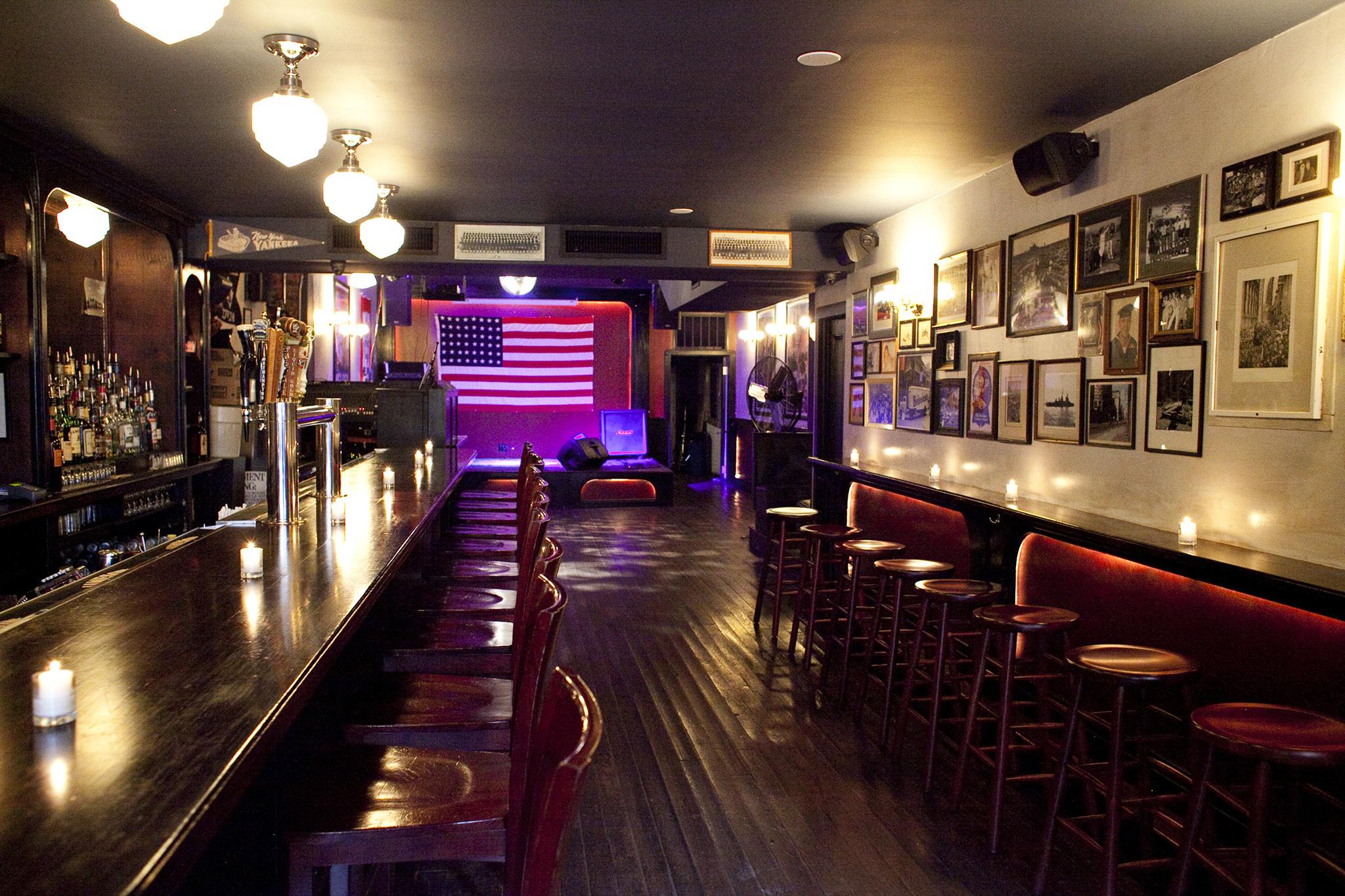 Williamsburg bars near the Brooklyn Flea market