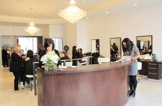 Blondi's Hair Salon