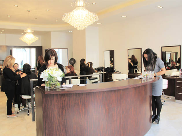 Blondi's Hair Salon