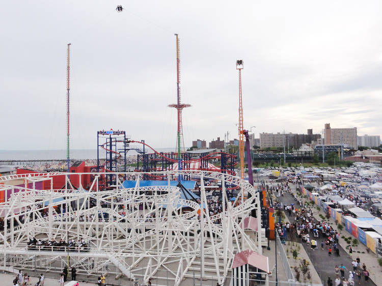 Experience g-force on the Human Sling Shot at Luna Park