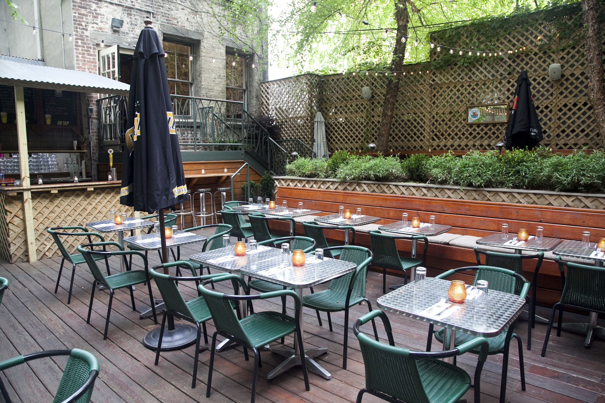 Outdoor dining guide nyc 39 s best summertime restaurants for Fish market restaurant nyc