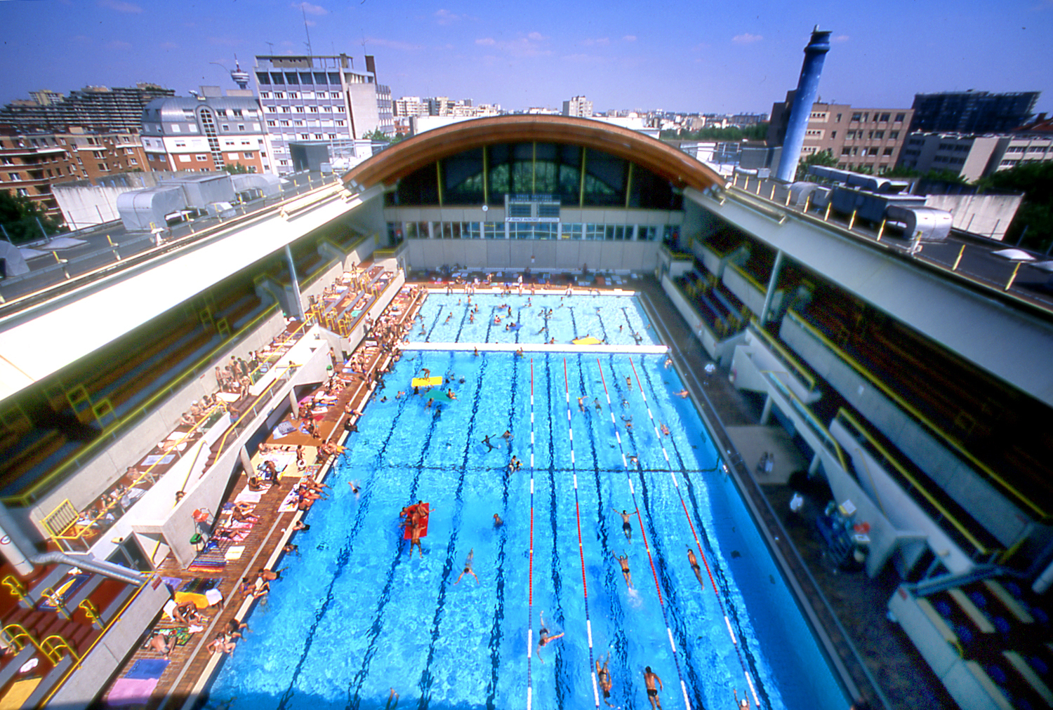 Piscines top 10 des piscines pour nager paris cet t for Spa avec piscine paris