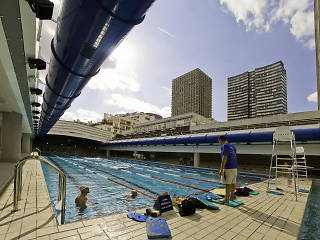 Swimming pools in paris time out paris for Aquagym piscine keller