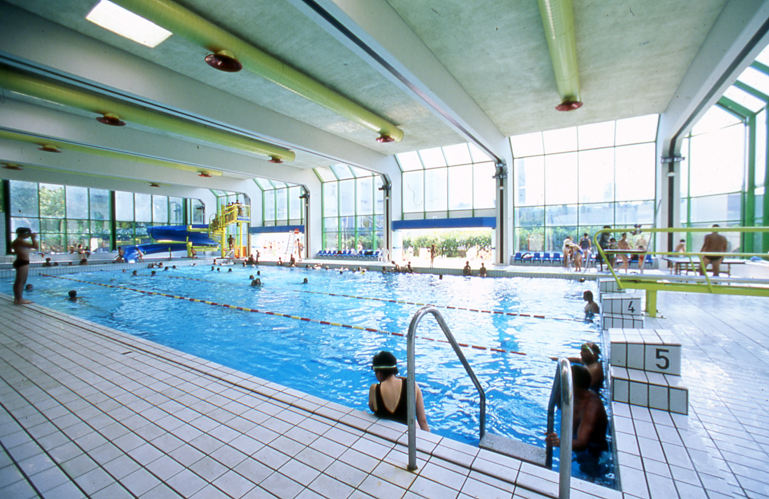 Piscine champerret sport 17e arrondissement paris for Piscine de reims
