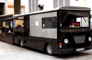 Camion à pizzas du Centquatre