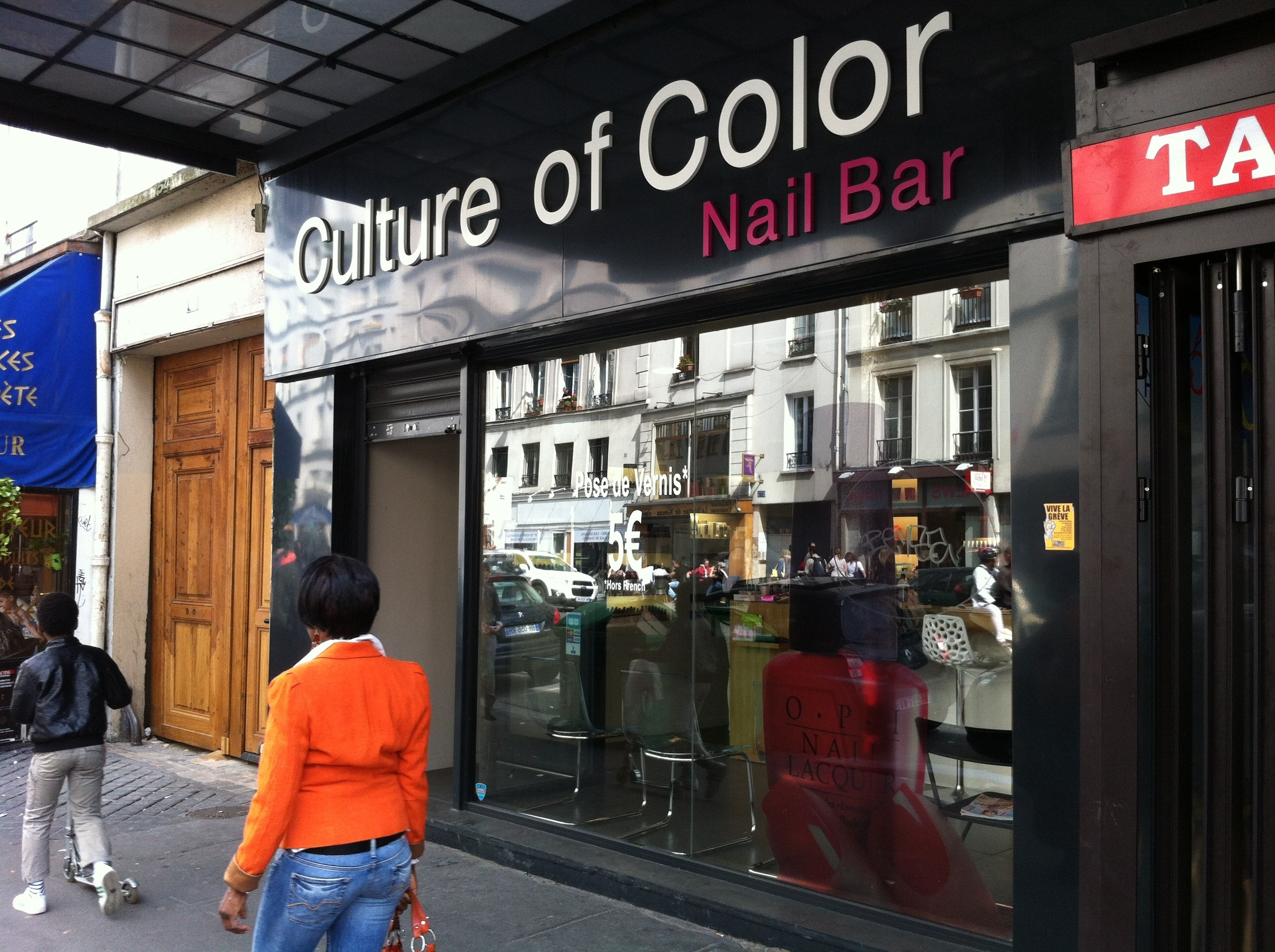 culture of color nail bar health and beauty in charonne paris. Black Bedroom Furniture Sets. Home Design Ideas