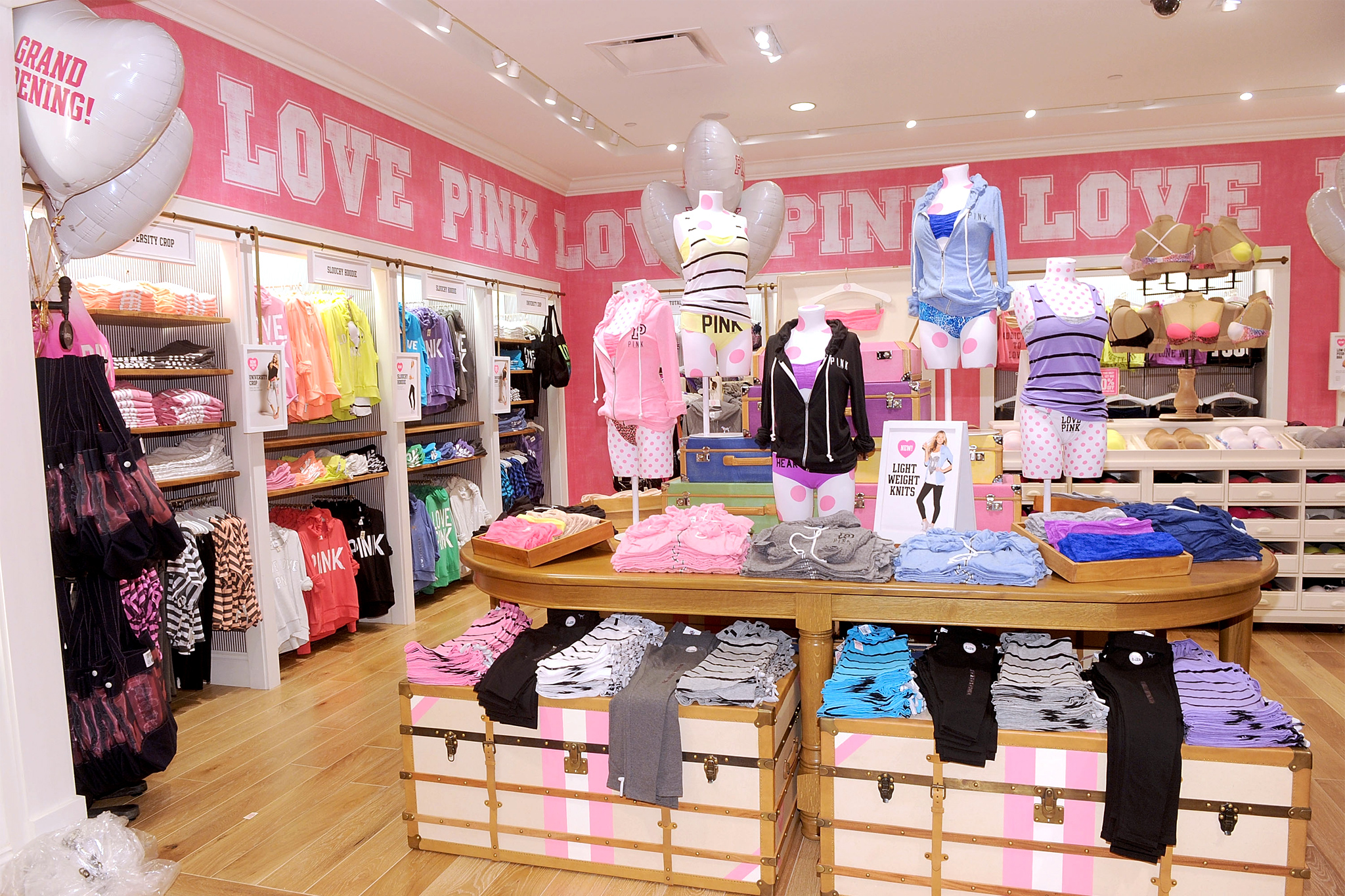 Victoria S Secret Pink Shopping In Mill Basin Brooklyn
