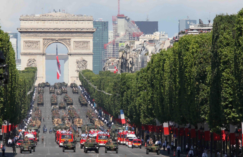 Défilé militaire sur les Champs-Elysées