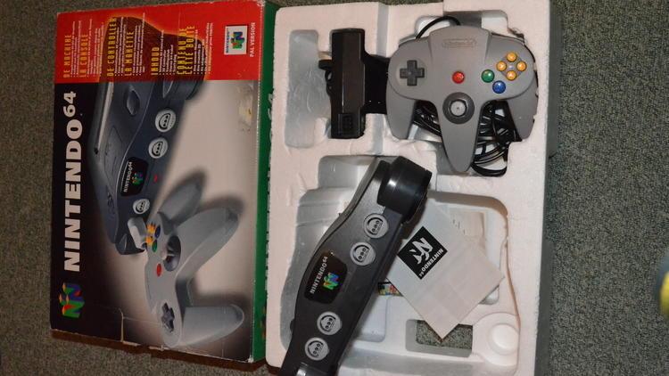 Les 64-bit (Nintendo 64 / © Camille Coste)