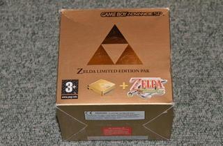 Les portables (Game Boy Advance SP Edition Zelda / © Camille Coste)