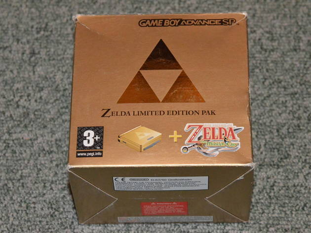 Les portables (Game Boy Advance SP Edition Zelda / © Camille Coste)