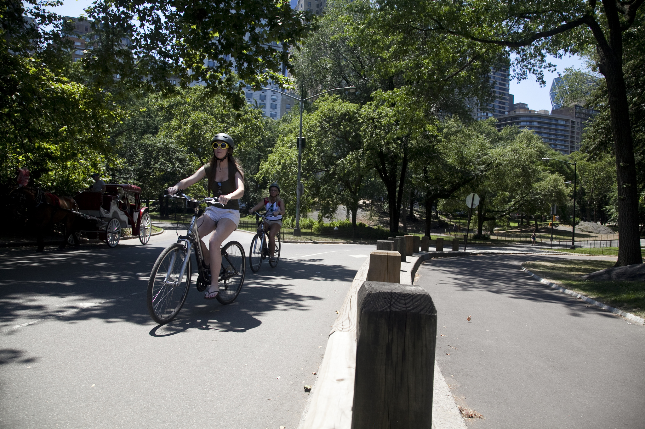 Bike paths and bike lanes for traffic-free cycle rides in New York