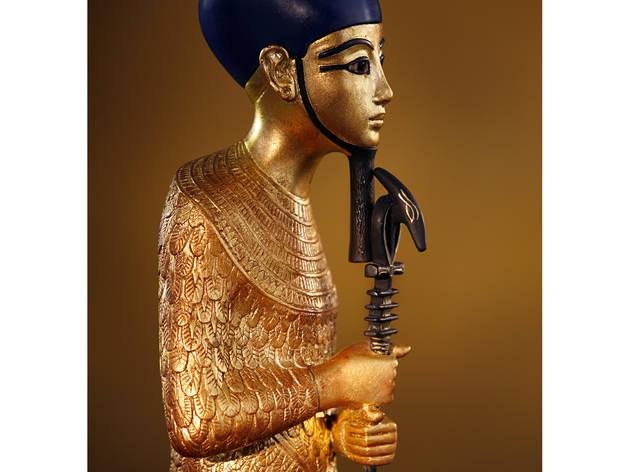 (Statue du dieu Ptah / Original en bois doré avec incrustations de verre et de faïence, accessoires en cuivre / © DR)
