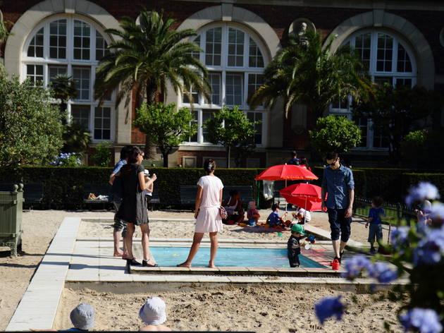 Petit bassin et bac à sable
