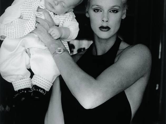 (Brigitte Nelson et fils, Beverly Hills, 1990 / © Alice Springs )