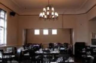 Apatura Bar Restaurant & Grill