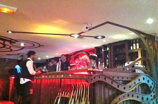 (Le bar tentaculaire / © Barbara Chossis)
