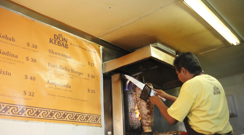 Cena: Don Kebab, Satélite