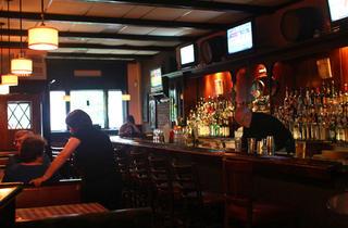 Emerald Inn (CLOSED)