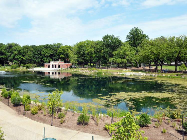Crotona Park Pool