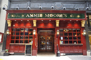Annie Moore's (CLOSED)