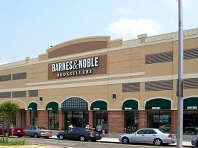 Barnes & Noble Fresh Meadows (CLOSED)