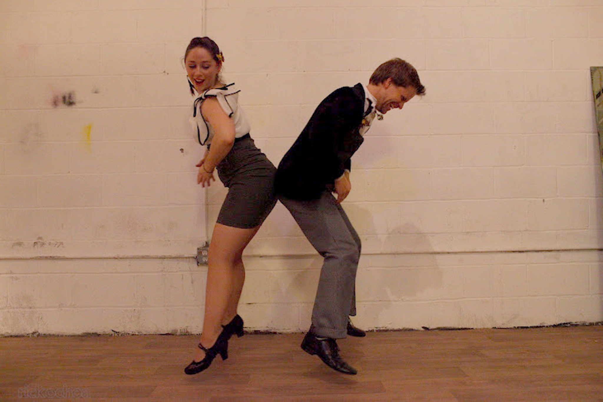 Beginner and Intermediate Class at Brooklyn Swings