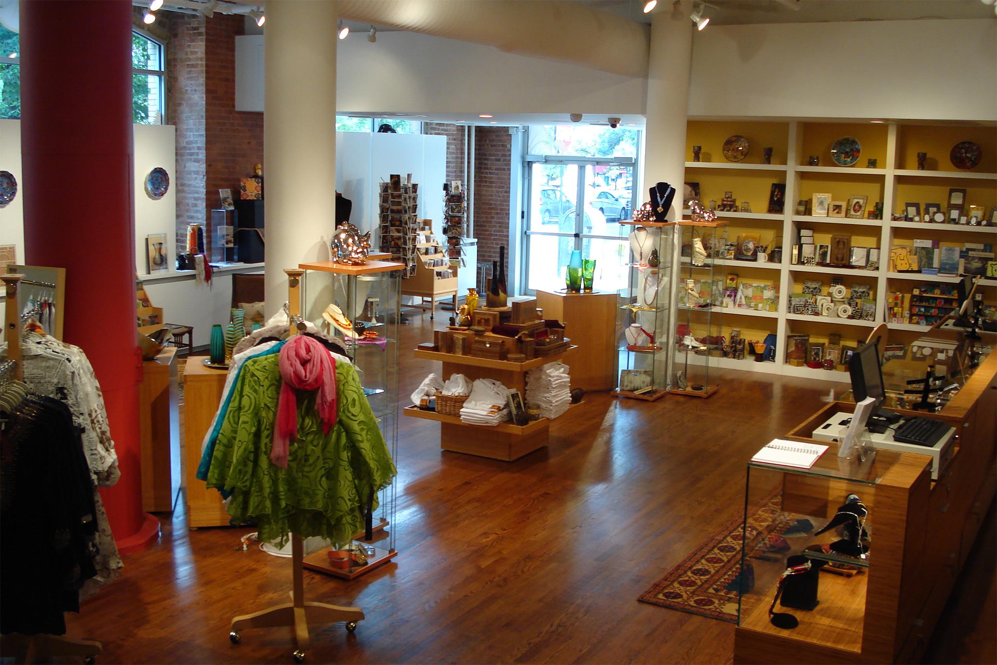 Dahesh Museum Gift Shop