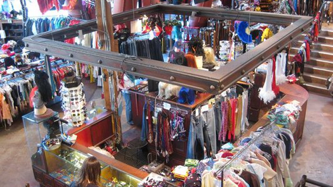 Jet rag shopping in hollywood los angeles for Jewelry slauson swap meet