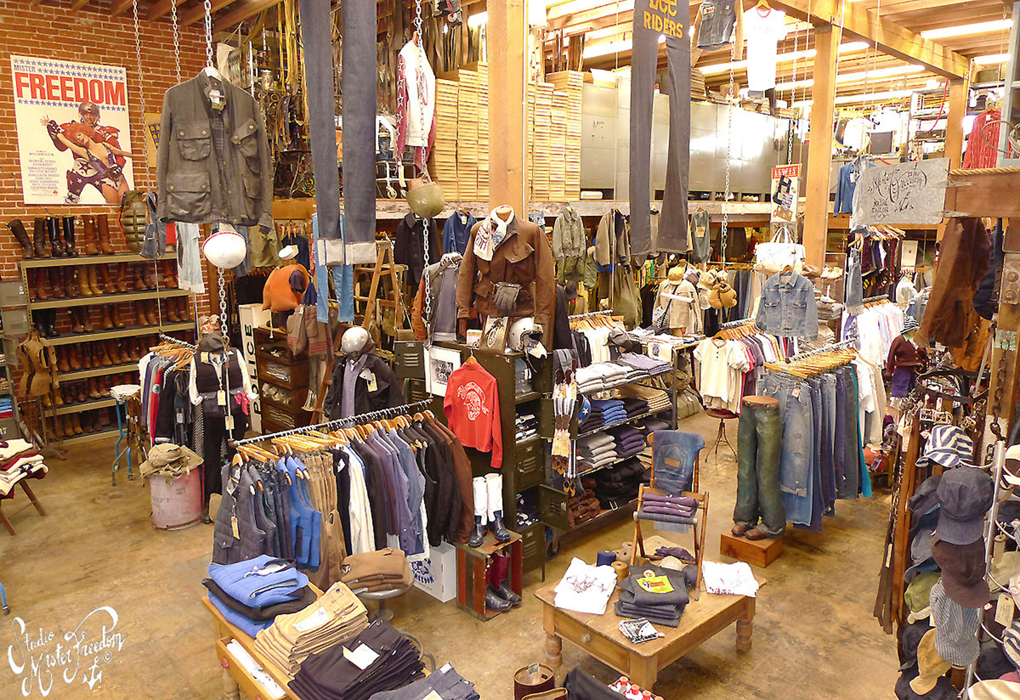 The best stores for vintage clothing in LA