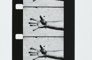 (Richard Serra, 'Hand Catching Lead', 1968 / © Centre Pompidou, MNAM-CCI / Service de la documentation photographique du MNAM / Dist. RMN-GP / © Adagp, Paris 2012)