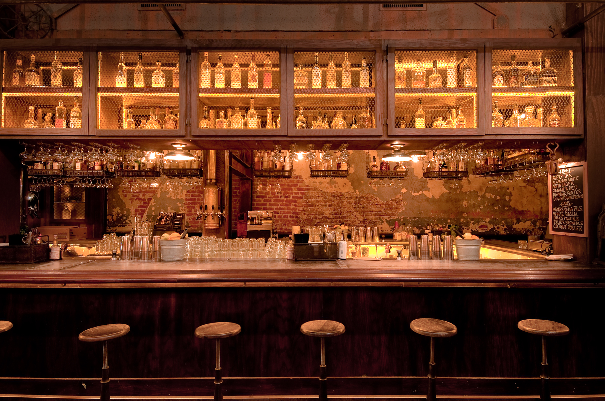 Best singles bars in Los Angeles