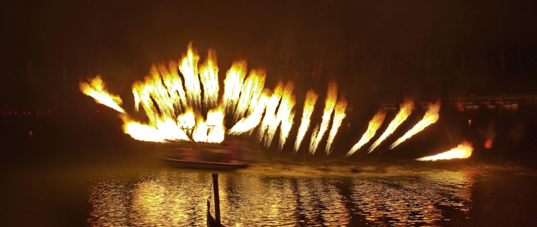 Péniche lance-flammes du Groupe F