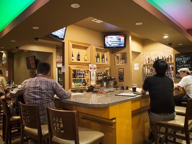 Koreatown S Best Bars Lounges Dives And Cocktails