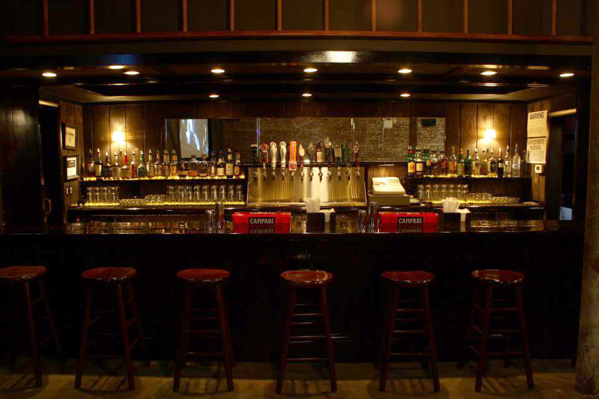 Dining Room Tables Chicago Best Late Night Bars Dives And Cocktail Clubs In Nyc