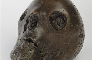 (Pablo Picasso, 'Tête de mort', 1943 / Musée National Picasso, Paris © RMN / Béatrice Hatala / © Succession Picasso 2012)