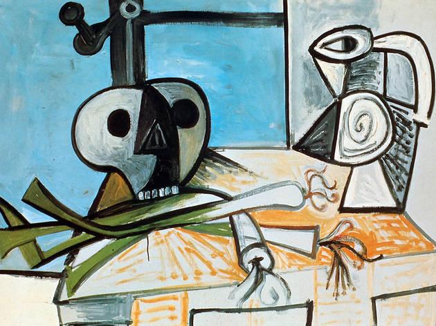 (Pablo Picasso, 'Nature morte à la tête de mort, poireaux pot devant la fenêtre', 1945 / Collection particulière / © Succession Picasso 2012)