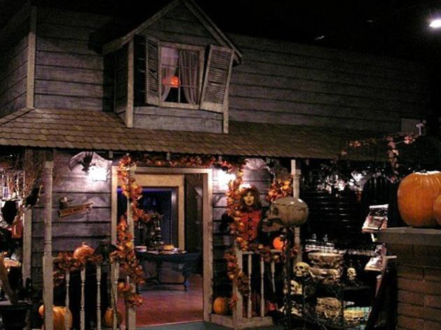 halloween store options in los angeles