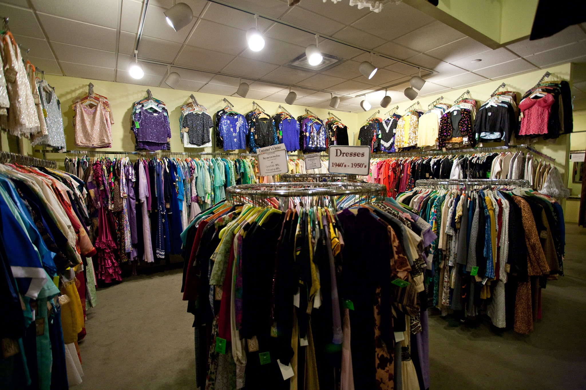 Best halloween costume stores in nyc for Best stores in nyc
