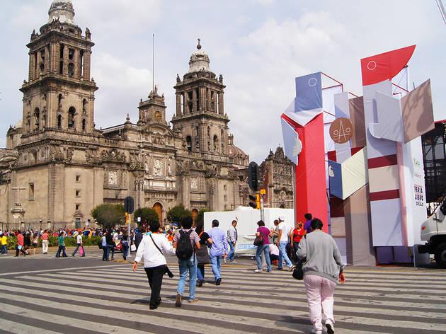 XII Feria Internacional del Libro en el Zócalo de la Ciudad de México